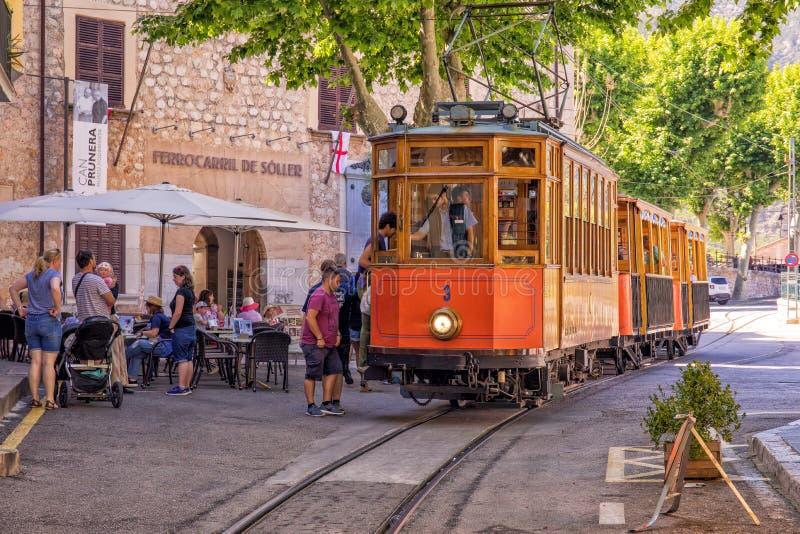 La tranvía histórica, Soller, Mallorca imagenes de archivo