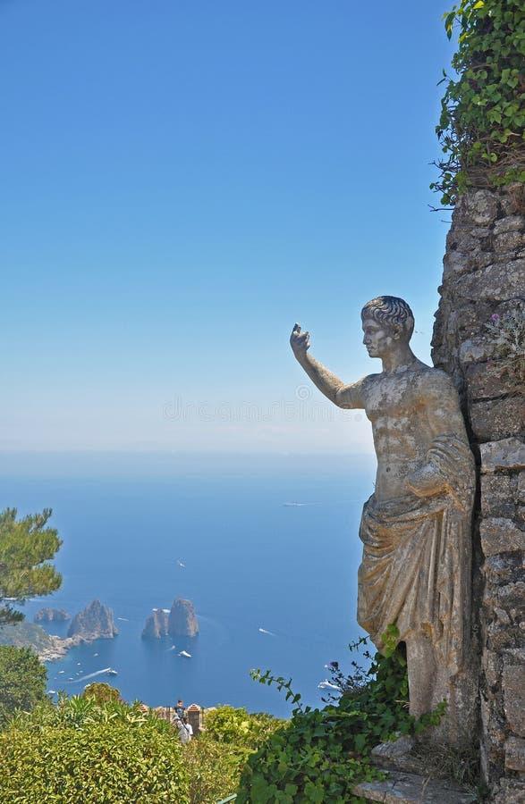 La trascuratezza dell'una delle lagune dell'isola di Capri e ancien fotografia stock