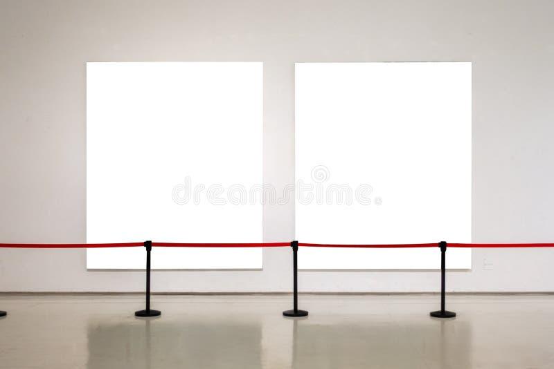 La trayectoria de recortes blanca de la exposición de Art Gallery Museum Blank Frame es foto de archivo libre de regalías
