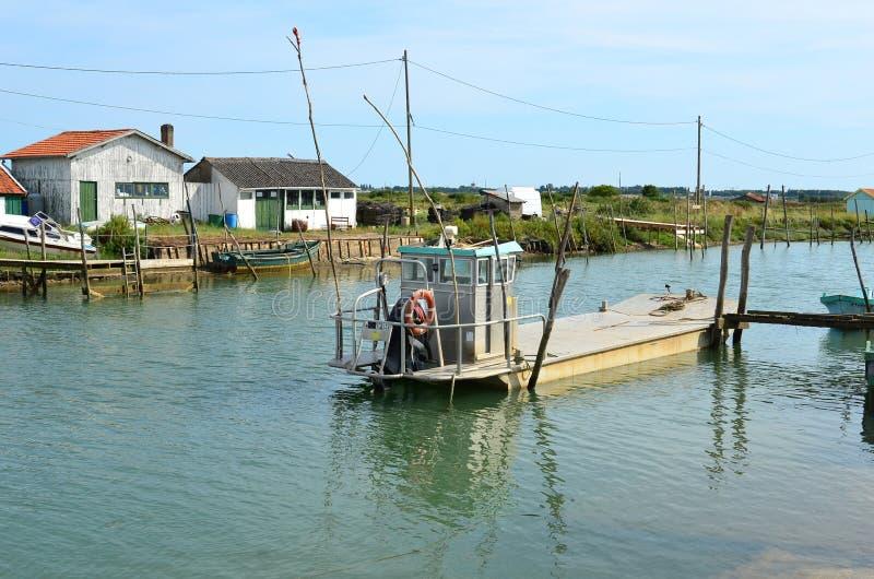 La Tremblade, ostra que cultiva el puerto, Charente-Maritime, Francia fotografía de archivo