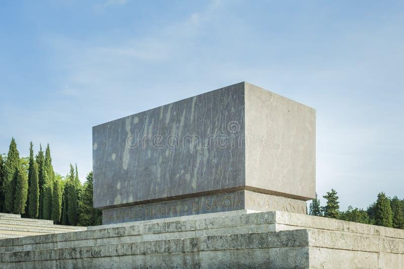 La tumba de príncipe Emanuele Filiberto Di Savoia imagenes de archivo