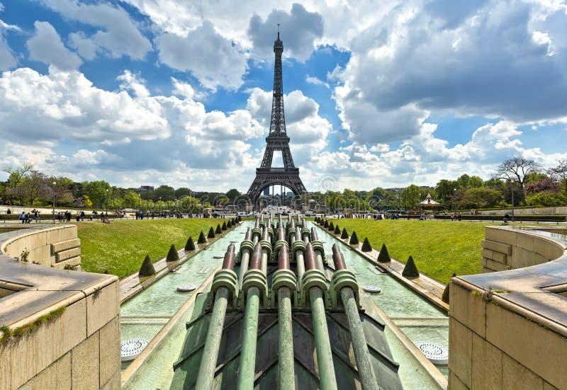 La turnerar Eiffel, Paris Sikt från Trocadero trädgårdar royaltyfria foton