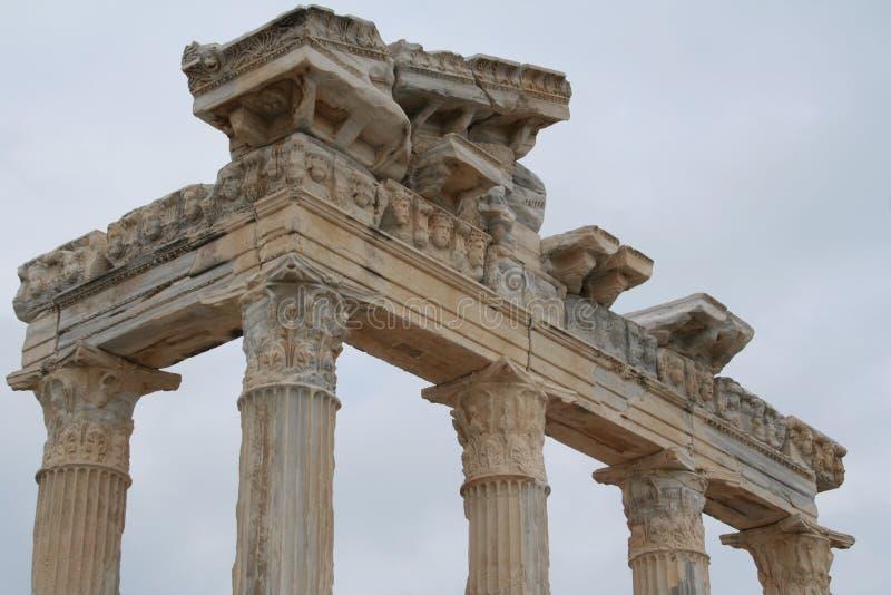 La Turquie. Côté. Ruines d'un temple d'Apollo photo stock