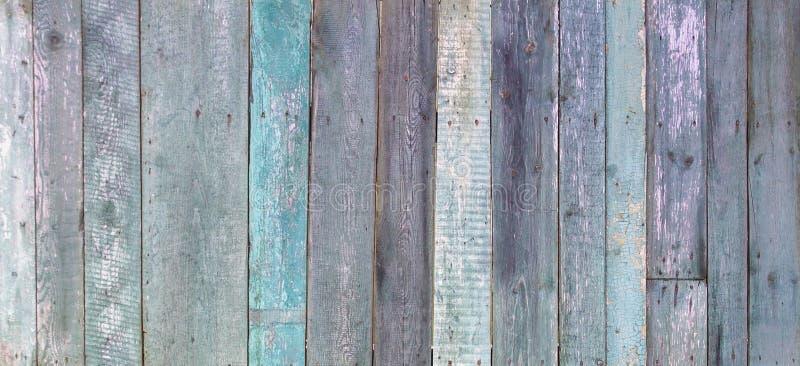 La turquoise minable de vieux cru a surv?cu au fond en bois peint de banni?re photographie stock libre de droits
