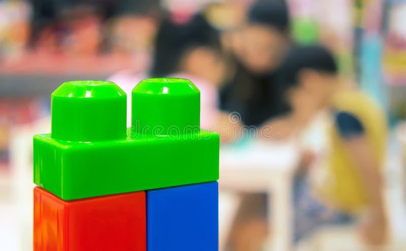 La unidad de creación plástica educativa colorida del ` s de los niños juega con fotos de archivo