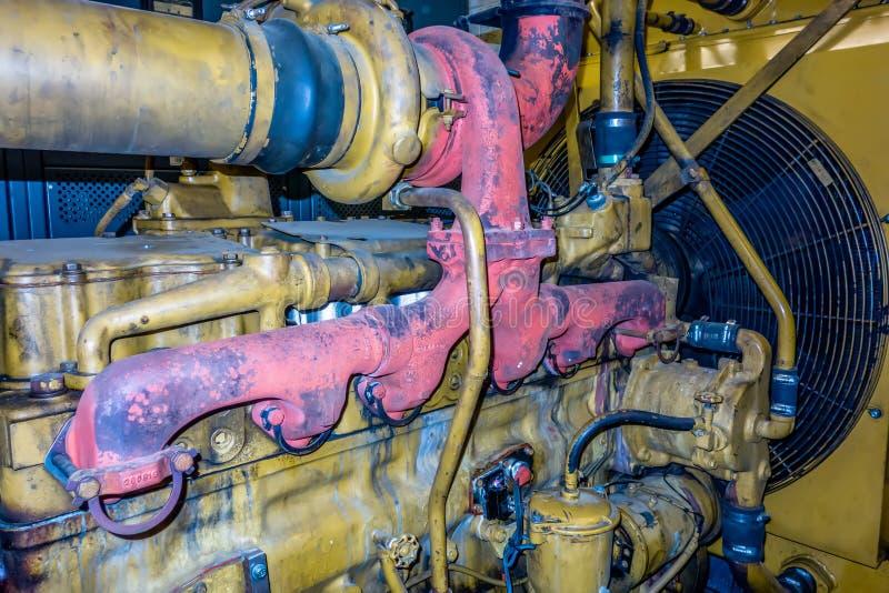 La unidad diesel del generador tiene un filte montado unidad del radiador y del combustible imagen de archivo libre de regalías