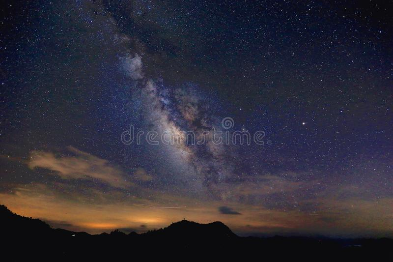 La vía láctea, la galaxia que contiene nuestra Sistema Solar foto de archivo libre de regalías