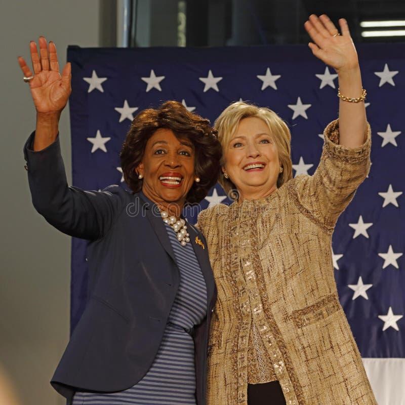 La vague de Maxine Waters et de Hillary Clinton à la campagne se rassemblent pour pré photo stock