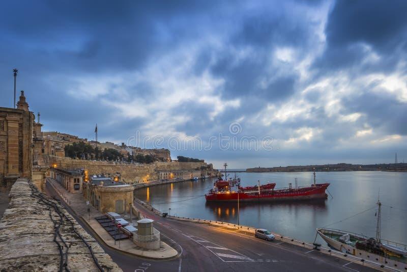 La Valette, Malte - belles lumières d'aube et de matin à l'ancie photographie stock