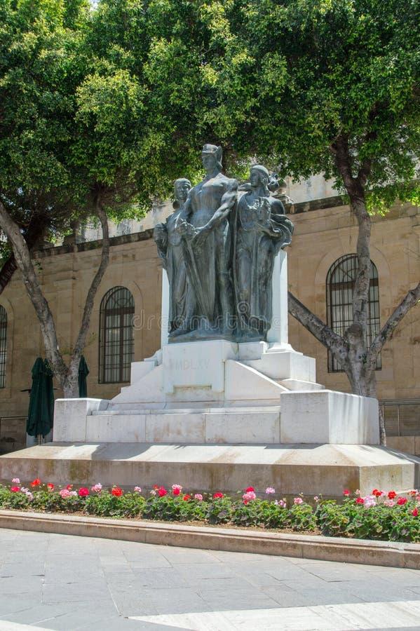 La Valette, Malte - 9 mai 2017 : Grand monument de siège par Antonio Sciortino à La Valette Le monument est situé près du Co-chat photographie stock