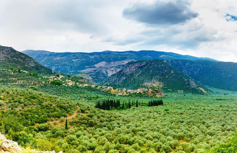 La vallée d'Amfissa, est une ville dans Phocis photos libres de droits