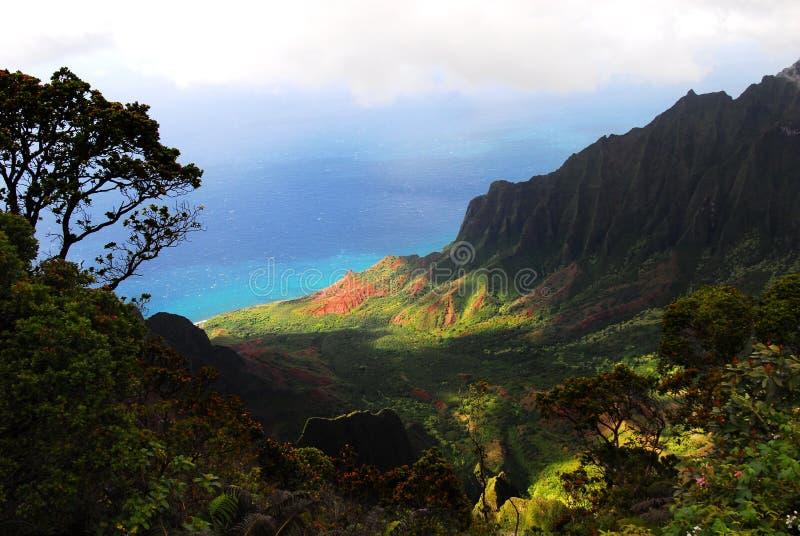 La vallée de Kalalau donnent sur, Kauai (les îles hawaïennes) images stock