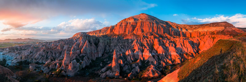 La vallée rouge dans Cappadocia, Turquie photo libre de droits