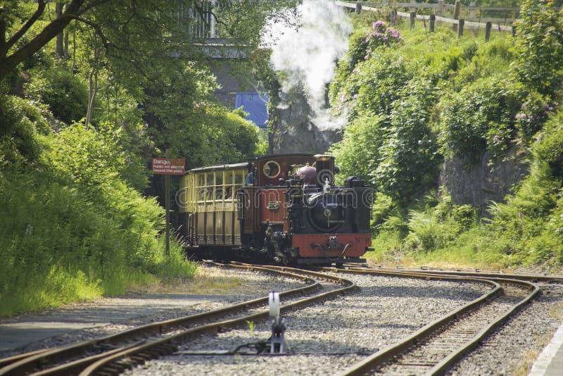 La valle dei diavoli ferroviari di Aberystwyth di rheidol getta un ponte sulla stazione Galles fotografia stock libera da diritti