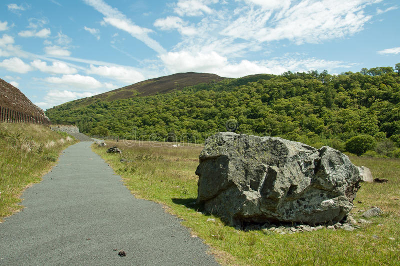 La valle di slancio nel summetime di Galles, Regno Unito fotografie stock libere da diritti
