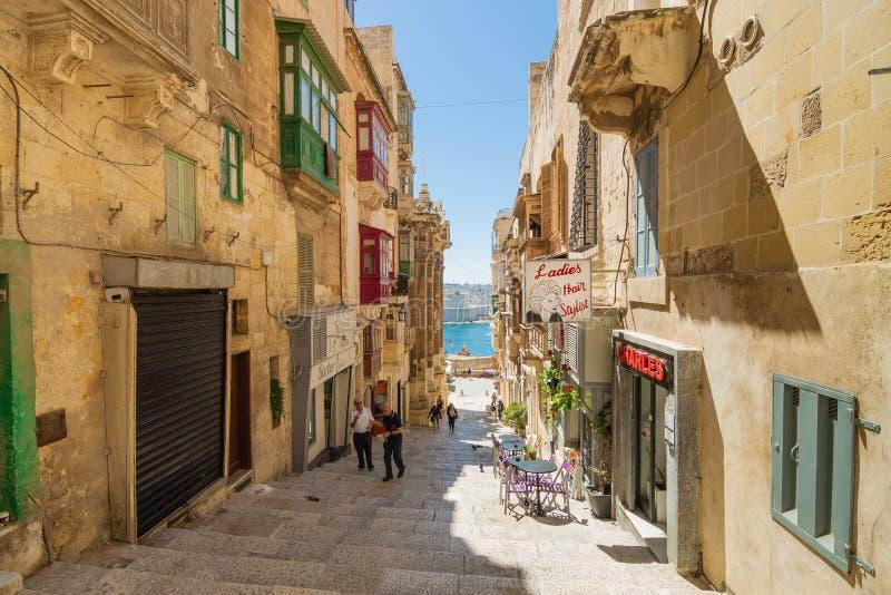 La Valletta, Malta - 5 maggio 2016: Dalle vie e dai vicoli della V immagine stock