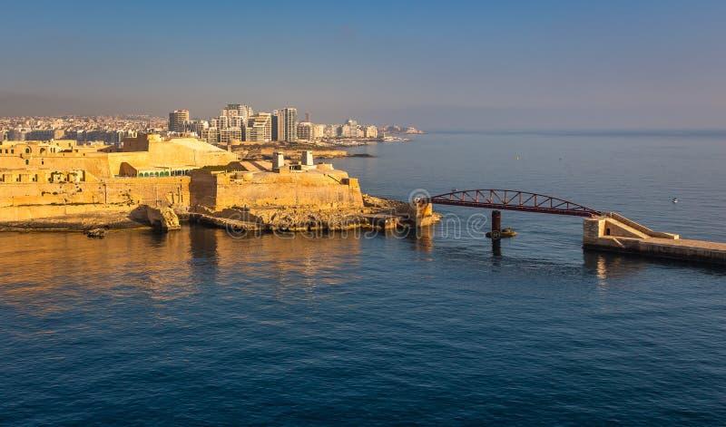 La Valletta Panorama dell'entrata del mare della città immagini stock libere da diritti