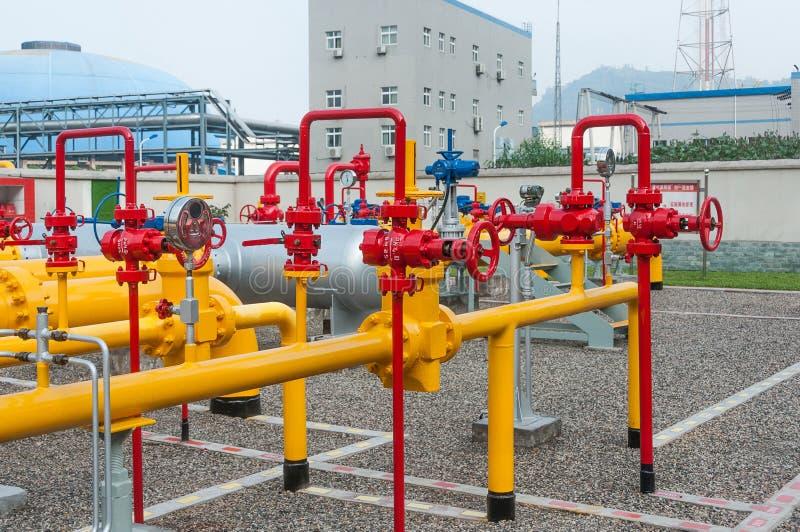 La valve sur le gazoduc images stock