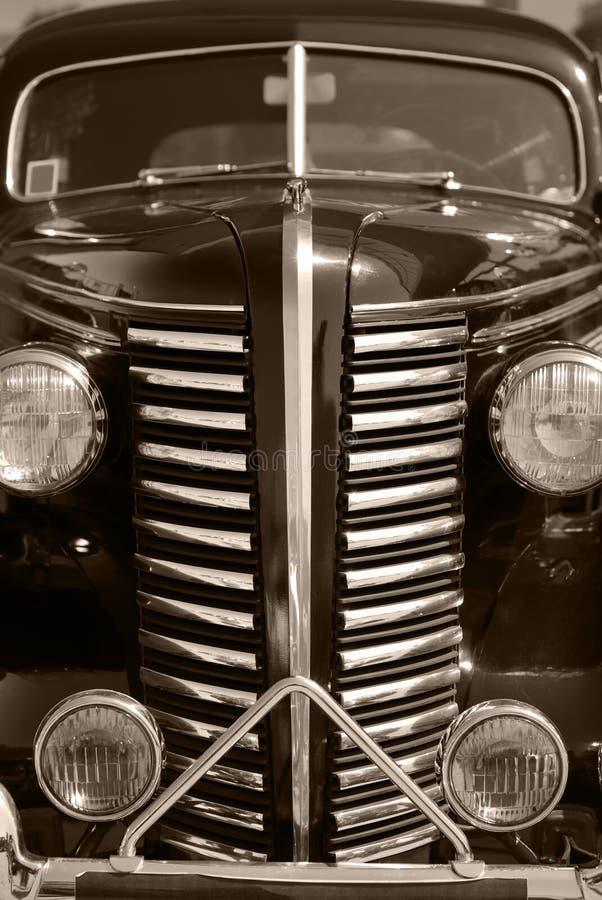 La vecchia automobile del nero dell'annata immagini stock