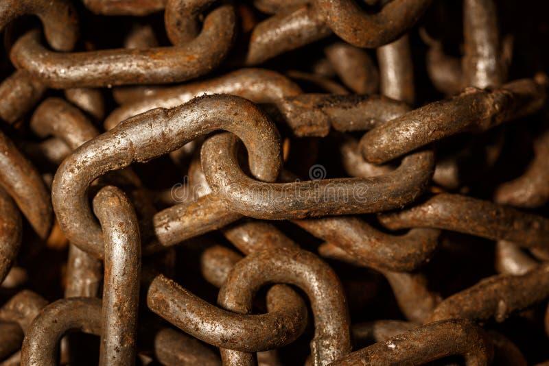 la vecchia catena è arrugginita immagine stock