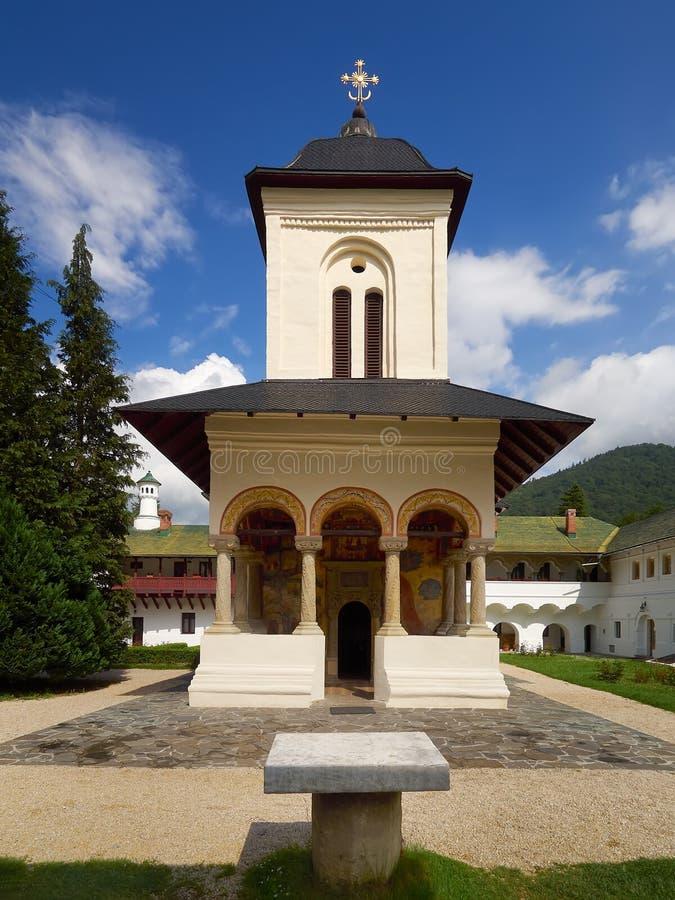 La vecchia chiesa, monastero di Sinaia fotografia stock