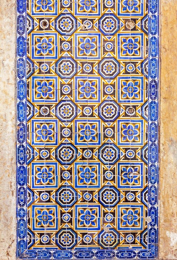 Piastrelle azulejos vendita best quadretti di cemento for Maioliche adesive