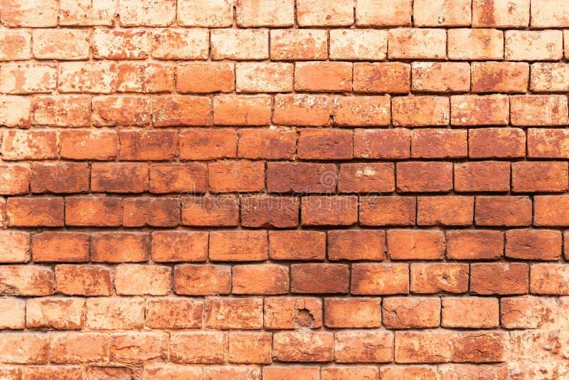 La vecchia parete del monastero costruita del mattone rosso, struttura della muratura, pu? essere utilizzata per interior design immagine stock libera da diritti