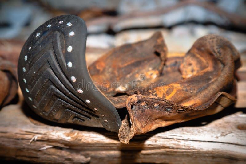 La vecchia scarpa di cuoio immagine stock libera da diritti