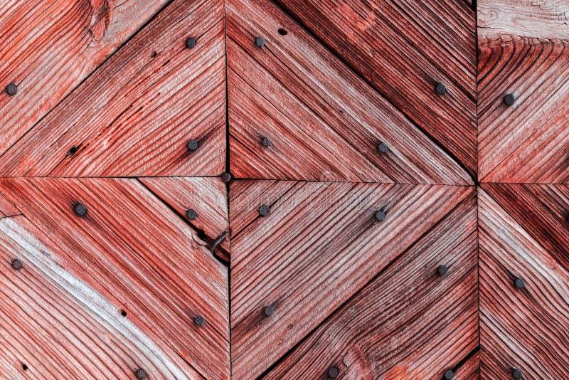 La vecchia struttura di legno rossa con i modelli naturali fotografia stock