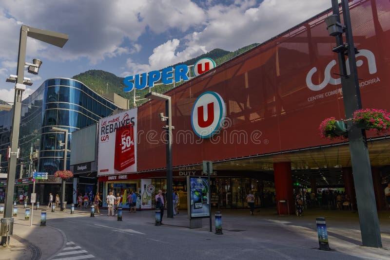 La Vella, de supermarktvoorgevel van Andorra van U van Andorra Super stock afbeeldingen