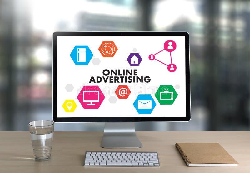 La vendita del sito Web di PUBBLICITÀ ON LINE, aggiornamento tende Advertisi immagine stock