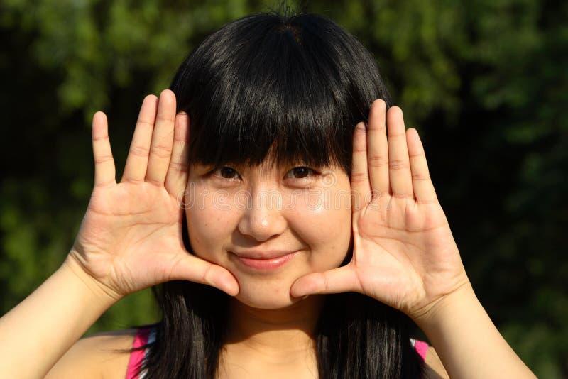La verticale chinoise de jeunes femmes photo libre de droits