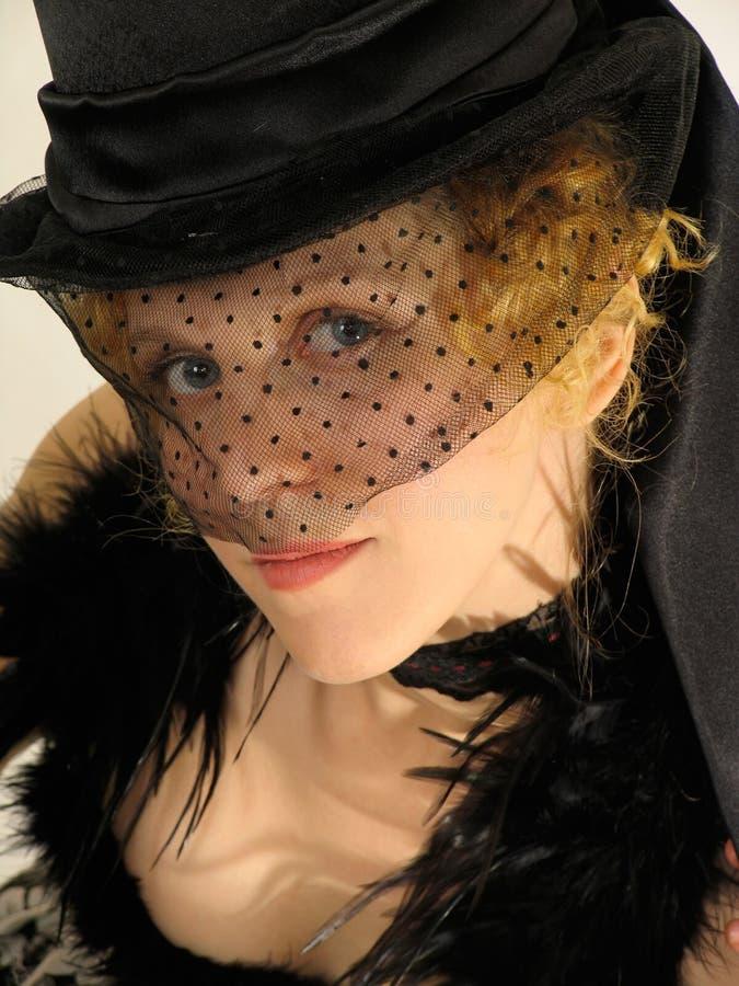 La verticale de la dame attirante au 19ème siècle vêtx photographie stock