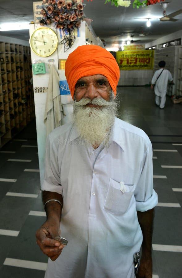 La verticale sikhe de vieil homme photographie stock libre de droits