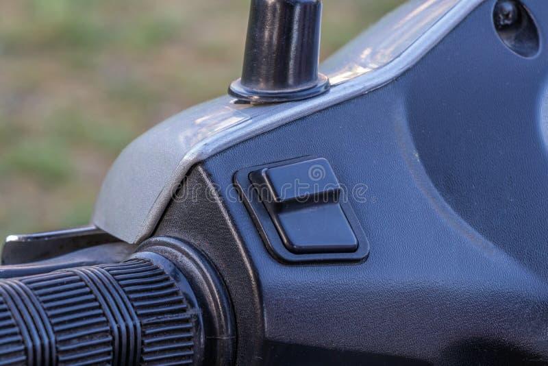 La vespa el primer de la manija del lado izquierdo fotografía de archivo