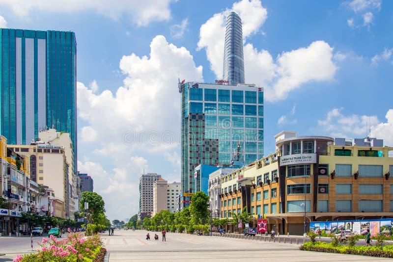La via di camminata a Ho Chi Minh City, Vietnam fotografie stock libere da diritti