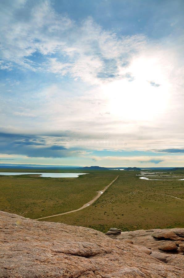 La via di casa lunga: La vista dalla roccia di indipendenza, Wyoming immagine stock libera da diritti