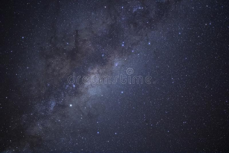 La Via Lattea splende sopra la Nuova Zelanda immagini stock