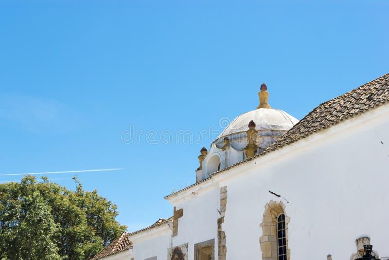 La via nel centro storico di Faro Portogallo fotografia stock