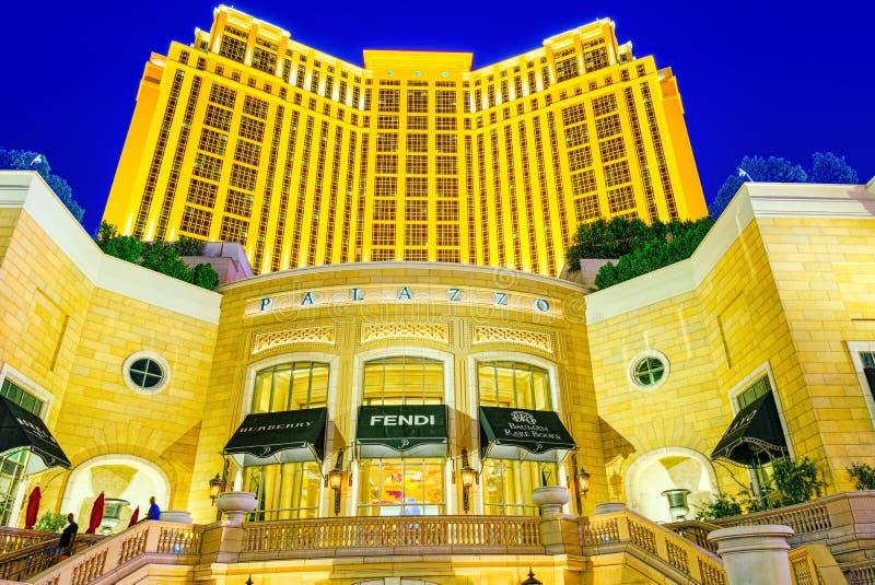 La via principale di Las Vegas-? la striscia nell'uguagliare il tempo Casin?, hotel e localit? di soggiorno Palazzo fotografia stock