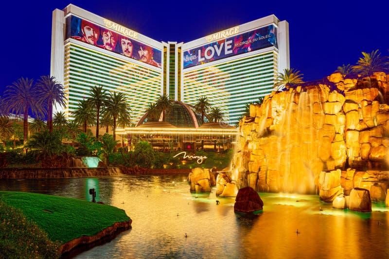 La via principale di Las Vegas-? la striscia nell'uguagliare il tempo Casin?, hotel e ricorrere il miraggio fotografie stock libere da diritti