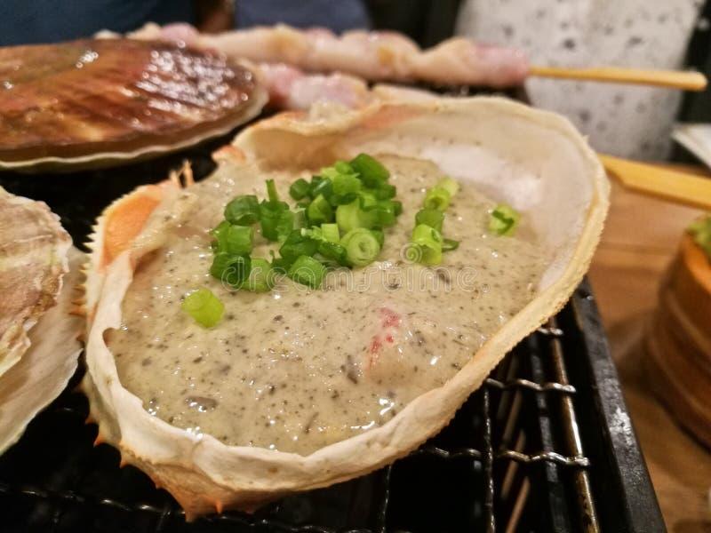 La viande de crabe de miso de Kani de Japonais avec la pâte de soja a grillé dans le crabe s photographie stock