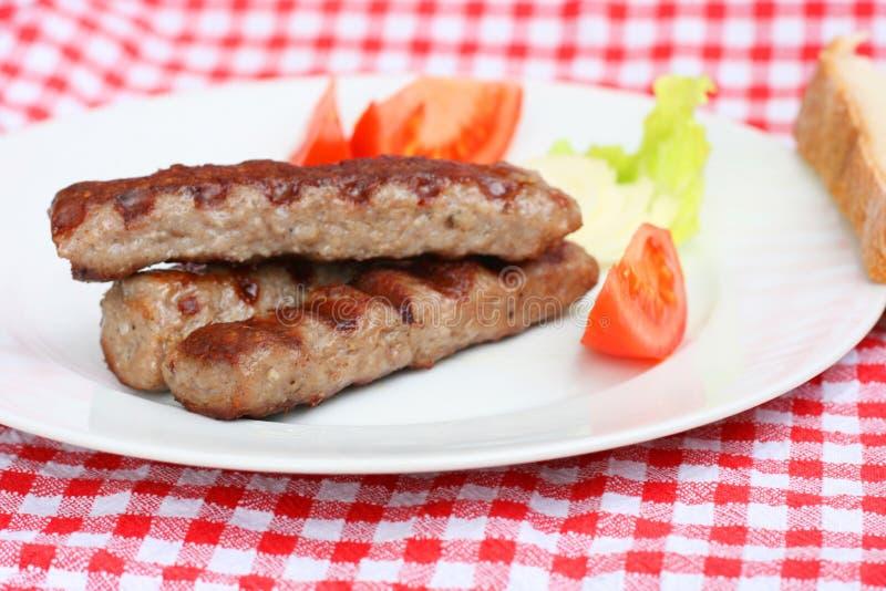 La viande hachée Grilled colle le cevapcici images stock