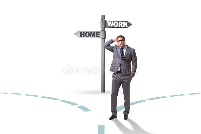 La vida del trabajo o el concepto casero del negocio de la balanza imagen de archivo