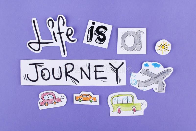 La vida es etiqueta engomada un viaje/un diseño de motivación inspirado de la cita/de un cartel del papel pintado imagen de archivo