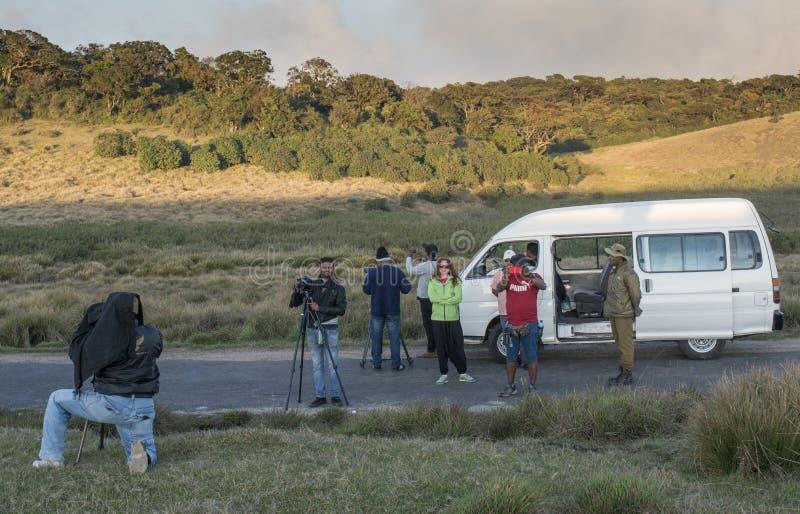 La video fabbricazione degli operatori spara per il video documentario immagini stock