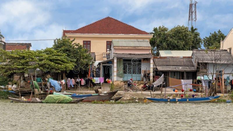 La vie en Hoi An le long de Thu Bon River photographie stock