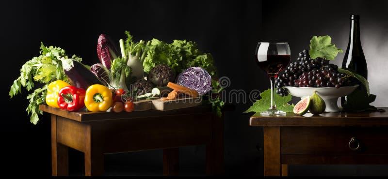 La vie toujours avec des légumes fruits images libres de droits