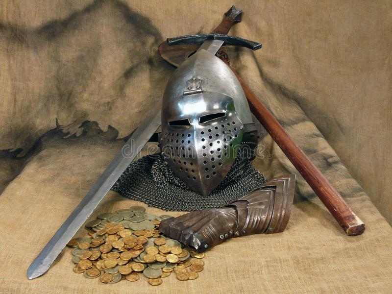 La vie toujours des armes et de l'armure antiques photo libre de droits
