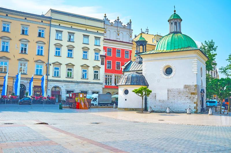 La vieille église dans la place principale du marché à Cracovie, Pologne photo stock